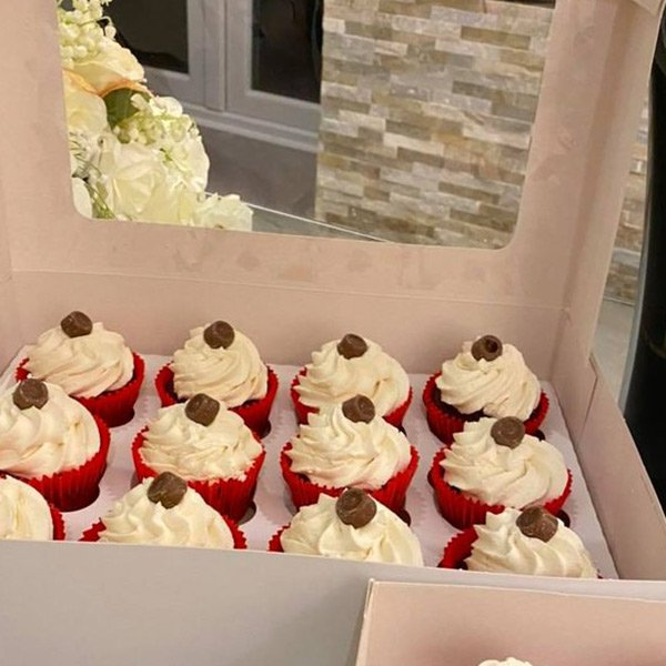 Valentines day cup cakes